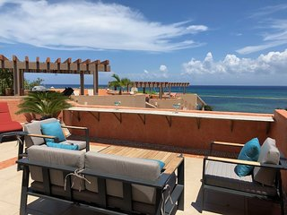 Elegant 2BD 2BA Oceanfront Penthouse Condo WiFi Pool Rooftop Hammock Maid