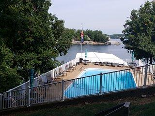 Waterfront 3 bd 3 ba vacation rental