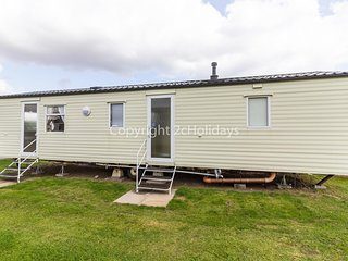 8 berth caravan for hire at Sunnydale park Lincolnshire Skegness ref 35128