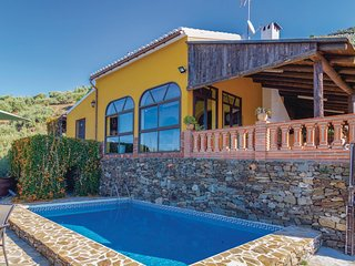 Stunning home in Torrox w/ 2 Bedrooms and WiFi