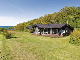 Beautiful home in Asnæs w/ Sauna, WiFi and 4 Bedrooms (F3337)