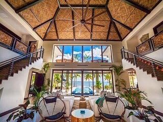 5TH NIGHT FREE - Luxurious, 7-Bedroom, Balinese-Inspired Beachfront Home