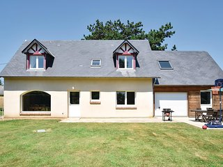 Amazing home in Gruchet Saint Simeon w/ WiFi and 3 Bedrooms (FNS060)
