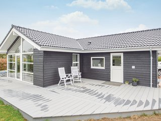 Amazing home in Hejls w/ WiFi and 2 Bedrooms (F04516)