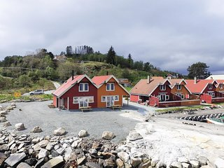 Amazing home in Sjernarøy w/ WiFi and 4 Bedrooms