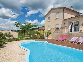 Stunning home in Barjac w/ WiFi and 1 Bedrooms (FLG434)