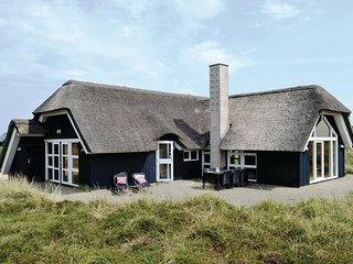 Beautiful home in Hvide Sande w/ Sauna, WiFi and 3 Bedrooms