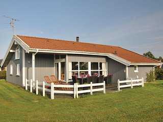 Beautiful home in Sydals w/ Sauna, WiFi and 4 Bedrooms