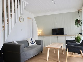 Kingsdown Chalet No.5 - Charming holiday chalet close to Kingsdown Beach with sw