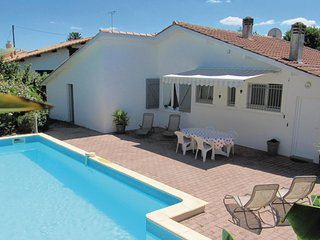 Nice home in Le Porge w/ Outdoor swimming pool and 4 Bedrooms (FAG707)