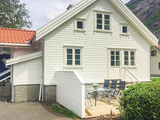 Awesome home in Dirdal w/ 2 Bedrooms
