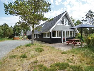 Beautiful home in Rømø w/ Sauna, WiFi and 4 Bedrooms (R10177)