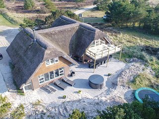 Stunning home in Blåvand w/ Sauna, WiFi and 6 Bedrooms (P32550)