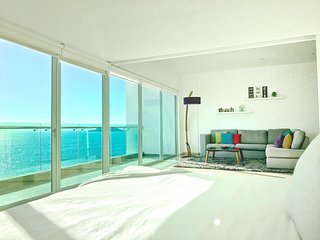 Gourgous condo with ocean view 822 Torre eMe