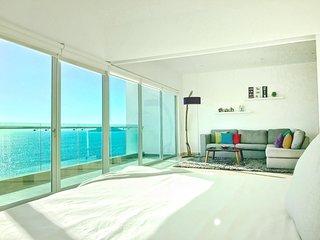Gourgous condo with ocean view 822 Torre eMe