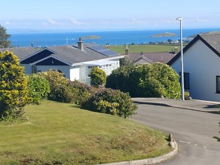 Lovely Sea View, 5 mins to Abersoch, Peaceful Location, Pet Friendly