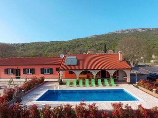 7 bedroom Villa with Pool, Air Con and WiFi - 5640829
