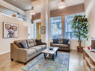 HUGE+ Private 3BR/1BA in the Center Of Gaslamp!