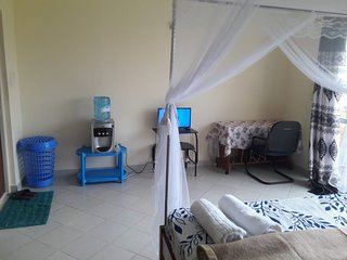 Myles Studio Apt Near Flamingo, Mombasa Continental, Serena and Pride inn Hotel