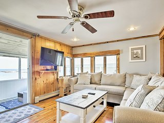 NEW! Oceanfront Marshfield Home w/ Porch + Grill!