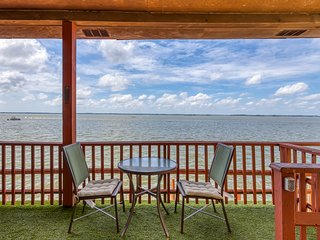 Enjoy direct waterfront living from this condo w/ furnished deck & free WiFi!
