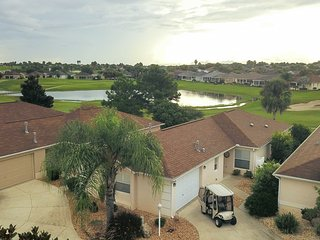 House on Golf Course, 2.5 Mi to Lake Sumter!
