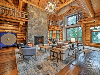 NEW! Luxury Mtn Mansion, Ski-Out to Windham Resort