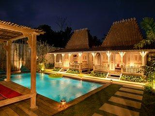 Kubu Pica Private Villa - 2BR+PRIVATE POOL