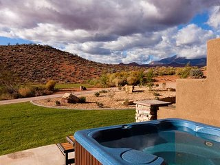 Vacation Station- Near Zion NP & Sand Hollow- 2 Community Pools & Spas