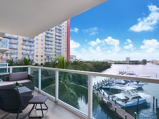 2BR Home-away Sunny Isles