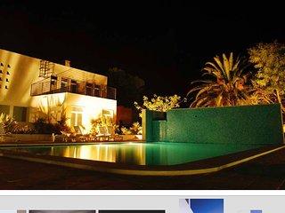 Casa Sunnyside, Cabanas Beach modern and spacious poolside apartment.