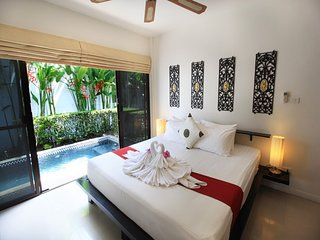 Naiharn Private Pool Villa with Tropical Zen Garden and BBQ facility