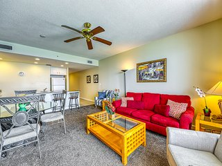 Sterling Reef beach getaway! Steps from the beach, shared pool, hot tub, & gym!