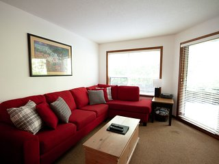 Slope Side Apartment w/ Pool & Hot Tub by Harmony Whistler