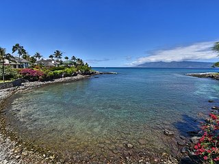 Honokeana Cove panorama from your lanais! Townhome #120, 2 bdr / 2.5 ba.