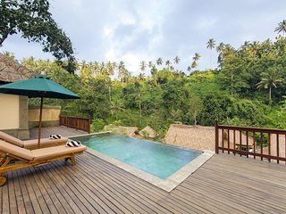 Wake Up in Paradise Exquisite Presidential Pool Villa - Breakfast (lokha)