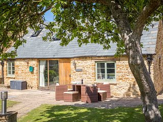 The Tap Room is a beautiful Grade II listed retreat in the village of Kingham