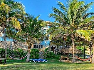 Pool, Hot Tub, Chef/Housekeeping, Seafront, Kayaks, 6 Beds, 4 Bdrms, (ESV49)