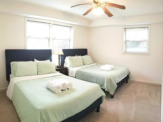 2 bedrooms Apt&Walk2DC&Georgetown&Walk2Metro&Free Parking&5bed&Private Entrance