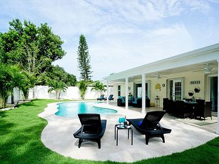 Sunshine Dream - updated and with a brand new dream pool, 3 bedrooms, 2 baths