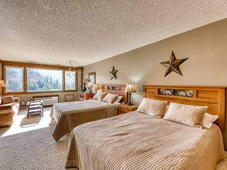Ski-in/out studio w/ beautiful views, shared pools, gym & tennis