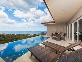 Casa de la Perla, Ocean View 4 Bedroom Home