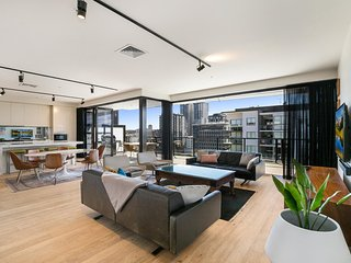 Epic luxury penthouse with sweeping skyline vista
