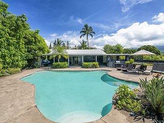 Pahukoa Hale - Direct Ocean Front Hawaiian Style home in Kona Bay Estates.