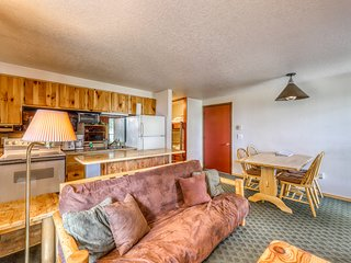 Ski-in/ski-out condo w/ shared hot tubs, wood fireplace & stunning views!