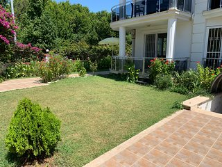 Sunshine Ground Floor Apartment, Calis Beach