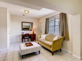 #1. Genuine Miami Suite - Central A/C - 24hr chk-in