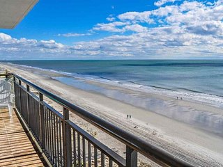 Oceanfront Two Bedroom 2 Bath Condo~Bluewater 905
