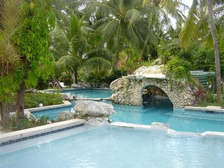 The extensively landscaped Front Pool