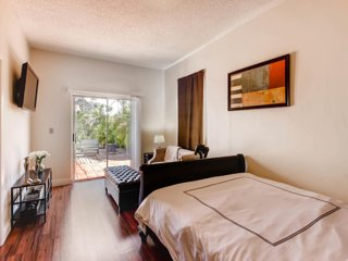 #3. Stylish Two Bedroom Miami Suite 24 hr Check In